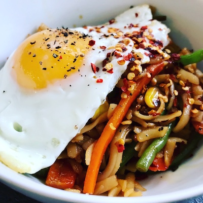 noodles with fried egg
